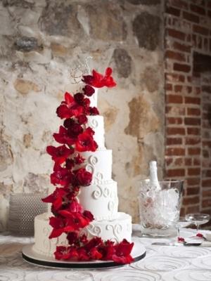 zimniy-svadebniy-tort-0054