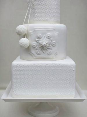 zimniy-svadebniy-tort-0064