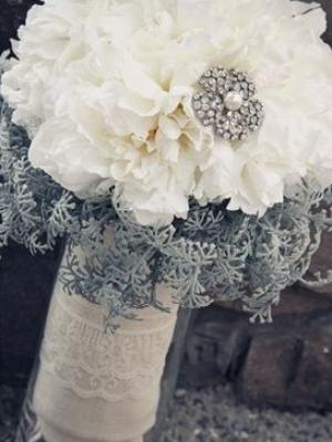svadebnii-buket-nevesti-dlya-zimnei-svadbi-0015