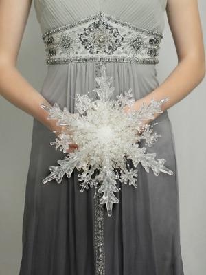 svadebnii-buket-nevesti-dlya-zimnei-svadbi-0017