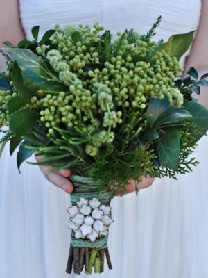 svadebnii-buket-nevesti-dlya-zimnei-svadbi-0018