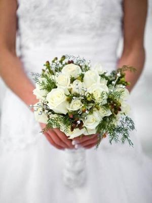 svadebnii-buket-nevesti-dlya-zimnei-svadbi-0026