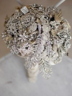 svadebnii-buket-nevesti-dlya-zimnei-svadbi-0051