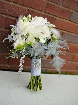 svadebnii-buket-nevesti-dlya-zimnei-svadbi-0054