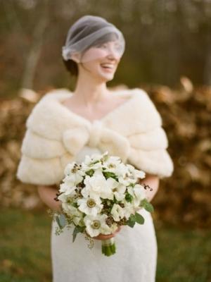 svadebnii-buket-nevesti-dlya-zimnei-svadbi-0059