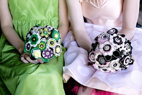 2-button-bouquets