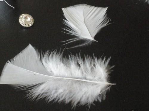 DIY-feather-fascinator-4-500x374