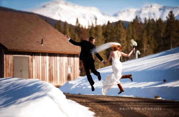 Wedding couple in snow