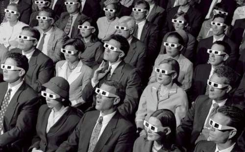 audience-black-and-white-glasses-movie-movie-theater-people-Favim.com-79937