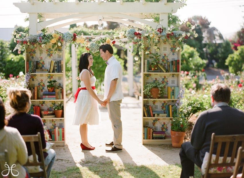 vintage-library-book-wedding-photos-09