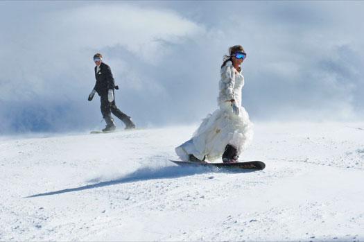 Активные спортивные зимние свадьбы на