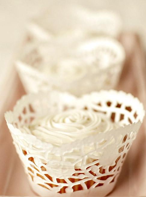 bumazhnie-azhurnie-salfetki-pirojennoe-keks