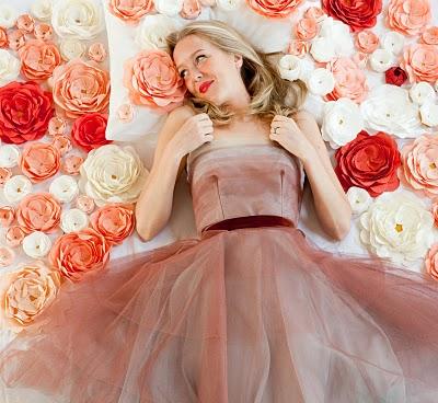 цветы-из-ткани-мастер-класс украшение для свадебного банкетного зала и комнаты невесты