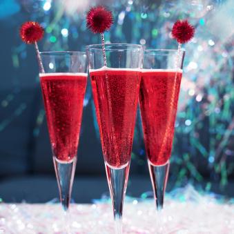 шампанское и гренадин коктейль