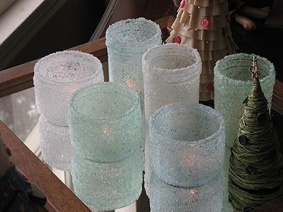 zimnaya-svadba-svechi-podsvechnik-iz-banki-i-morskoi-soli