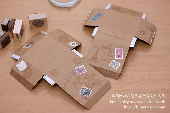 Украсьте коробочку марками