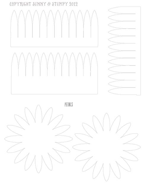 bumazhnyj-cvetok-dlya-servirovki-stola-5