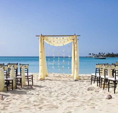 Old-FOrt-Bay-beach-wedding-setups1
