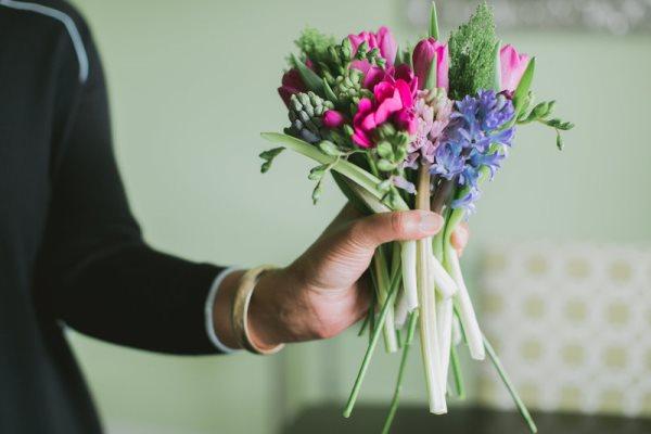 1392667581_content_DIY-Spring-Bouquet__11_