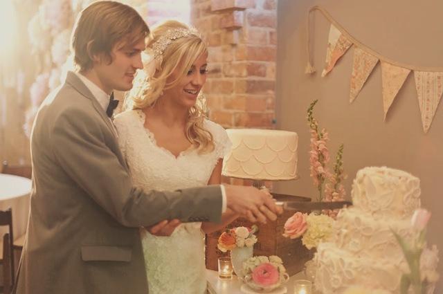 14_Roses-Lace-Vintage-Wedding-Alixann-Loosle-Photography-161