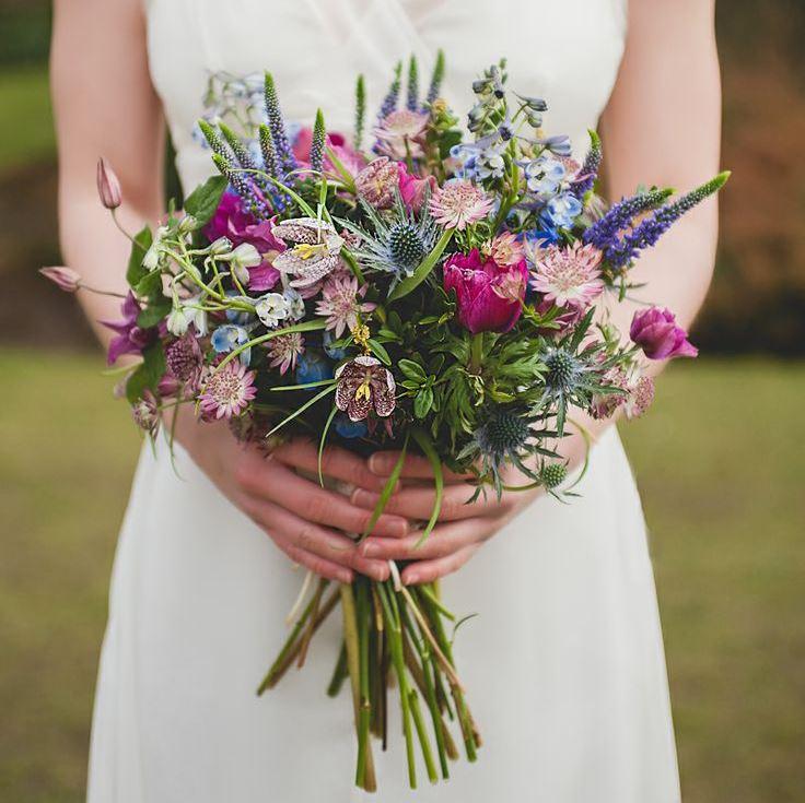 Свадебный букет невесты из полевых цветов 86