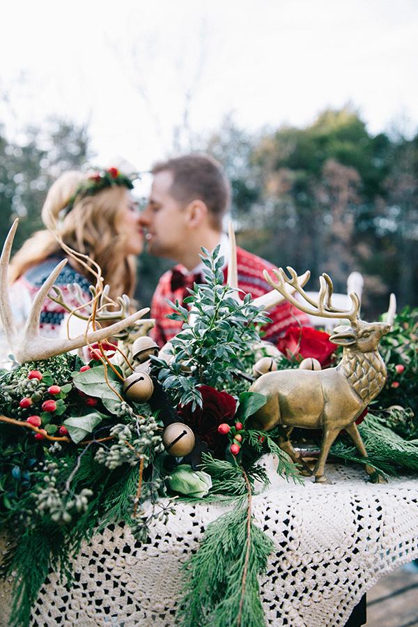 16-festive-styled-wedding-winter-woods-corgi-holiday-sweater