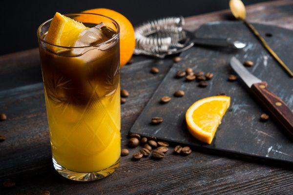 kofeyniy-bar-na-svadbu-17-letnie-kokteyli-iz-kofe